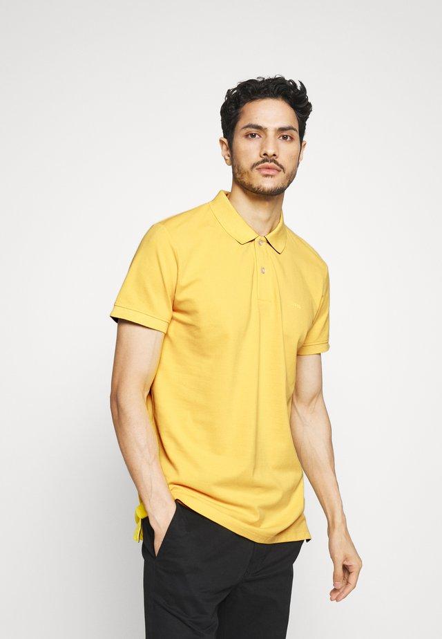 Piké - yellow