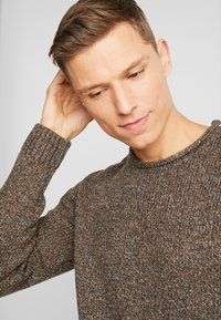 Esprit - MOULINE - Jumper - brown - 3