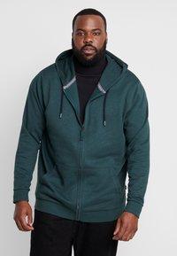 Esprit - BIG BEBA - Zip-up hoodie - dark green - 0