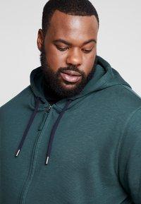 Esprit - BIG BEBA - Zip-up hoodie - dark green - 3