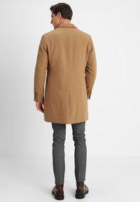 Esprit - STRUCTURE COAT - Manteau classique - camel - 2