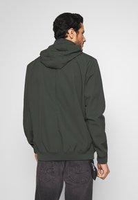 Esprit - BOND - Impermeabile - khaki green - 2