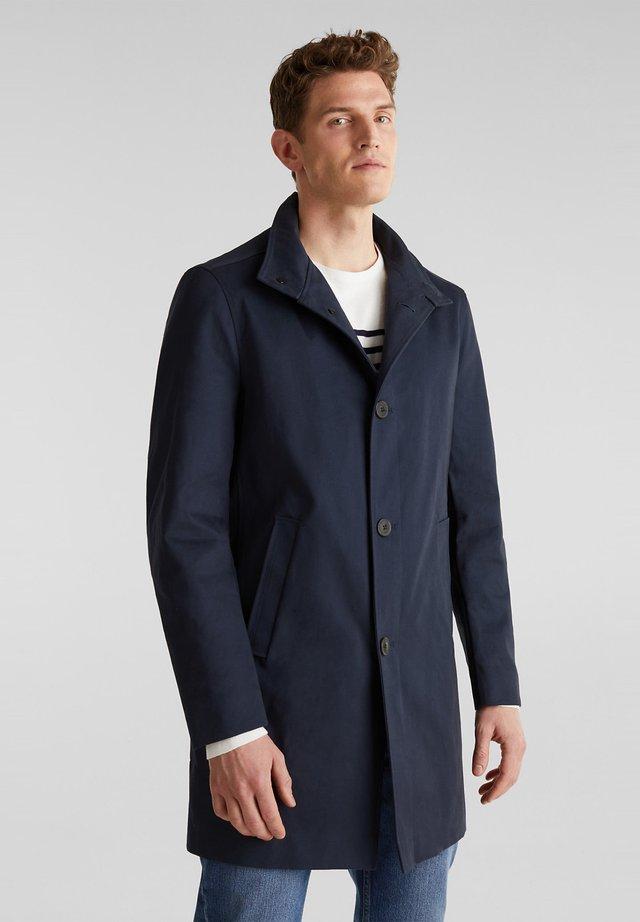 MIT STEHKRAGEN - Halflange jas - dark blue