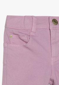 Esprit - PANTS - Džíny Slim Fit - light pink - 2