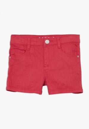 Denim shorts - raspberry