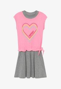 Esprit - Žerzejové šaty - neon pink - 2