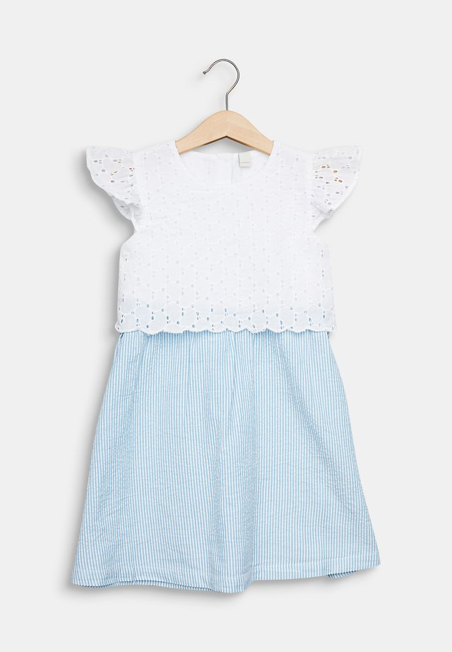 KLEID MIT LOCHSTICKEREI, 100% BAUMWOLLE - Korte jurk - white