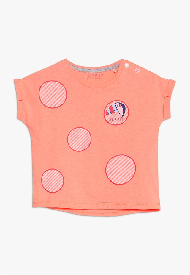T-shirt med print - neon coral