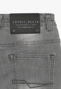 Esprit - BERMUDA - Jeansshort - grey denim - 3
