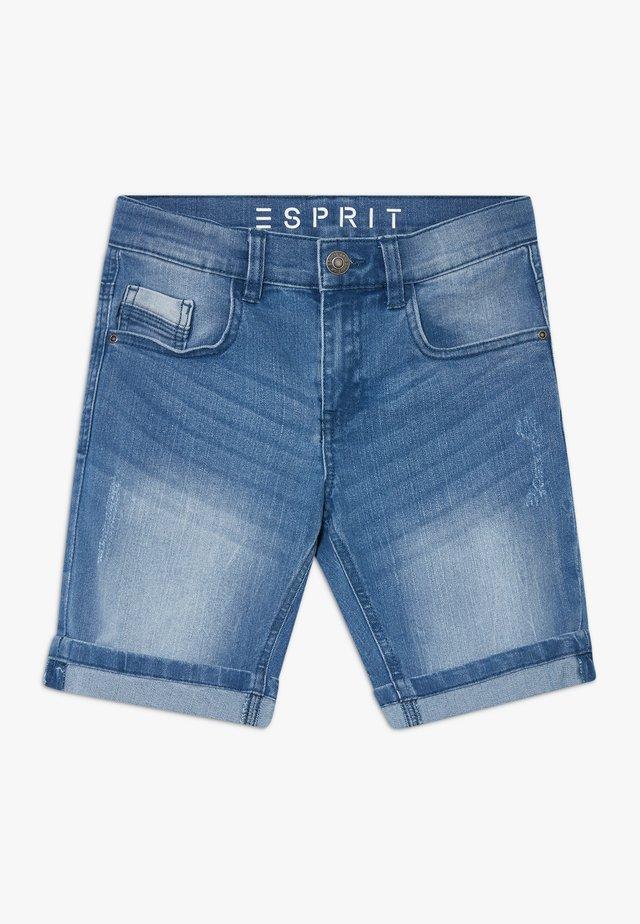 BERMUDA - Shorts vaqueros - light indigo denim