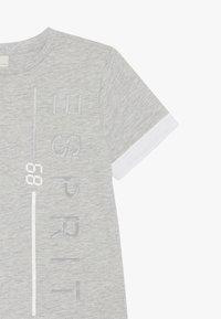 Esprit - T-SHIRT SS - T-shirt z nadrukiem - heather silver - 3