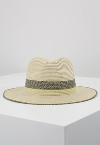 Esprit - CLRBLOCKPANAHAT - Hat - cream beige - 3