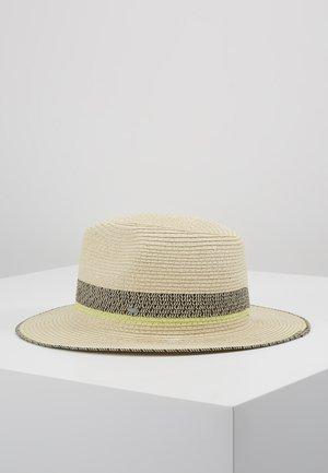 CLRBLOCKPANAHAT - Hatt - cream beige