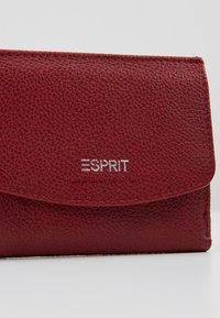 Esprit - FOC CLAS - Portefeuille - garnet red - 2