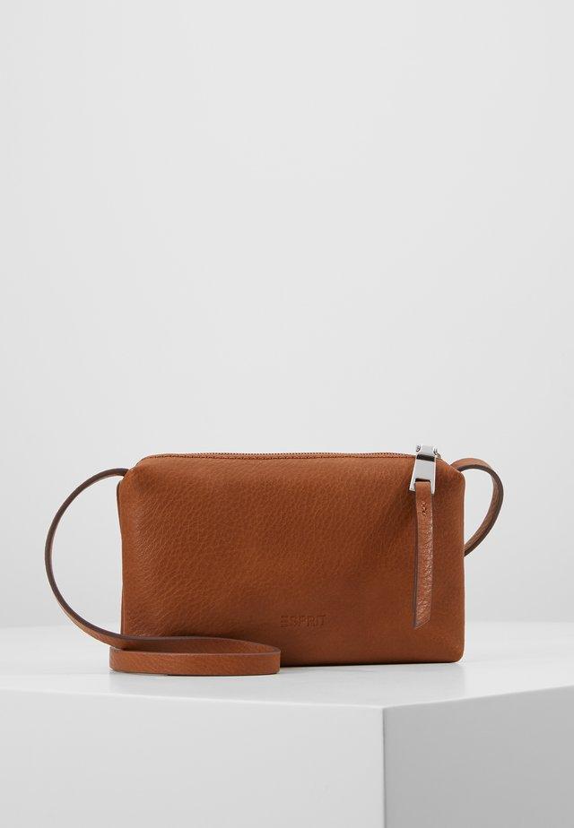 TORI PHONEBAG - Taška spříčným popruhem - rust brown