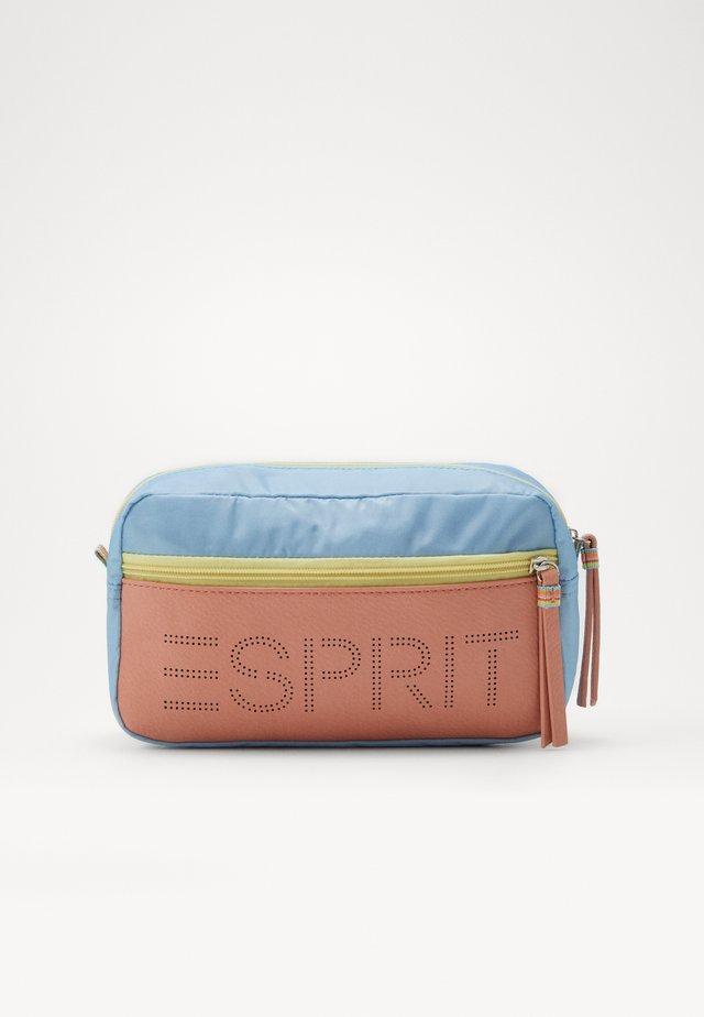 DARIA COSMPCHM - Kosmetická taška - light blue