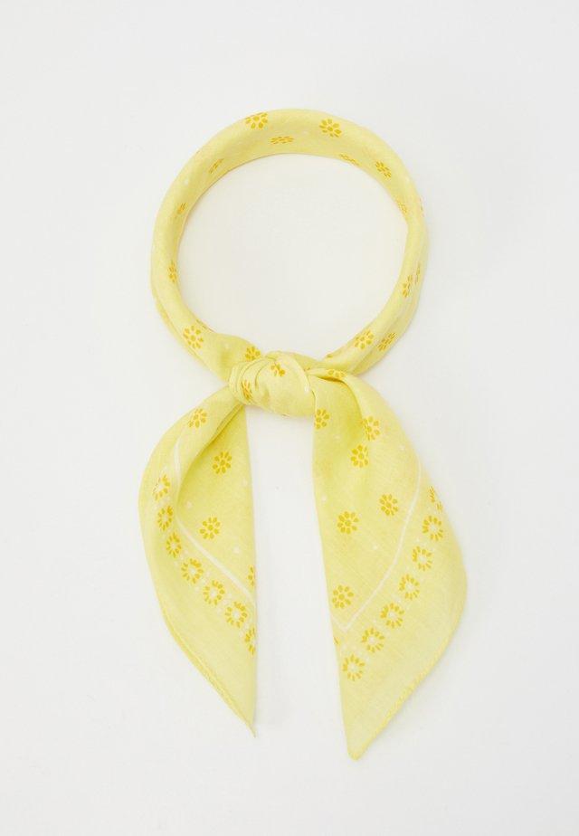 Scarf - light yellow