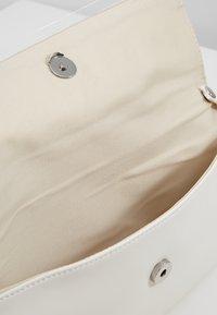 Esprit - MARTA BAGUETTE - Pikkulaukku - white - 4