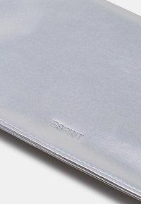 Esprit - Clutch - silver - 4