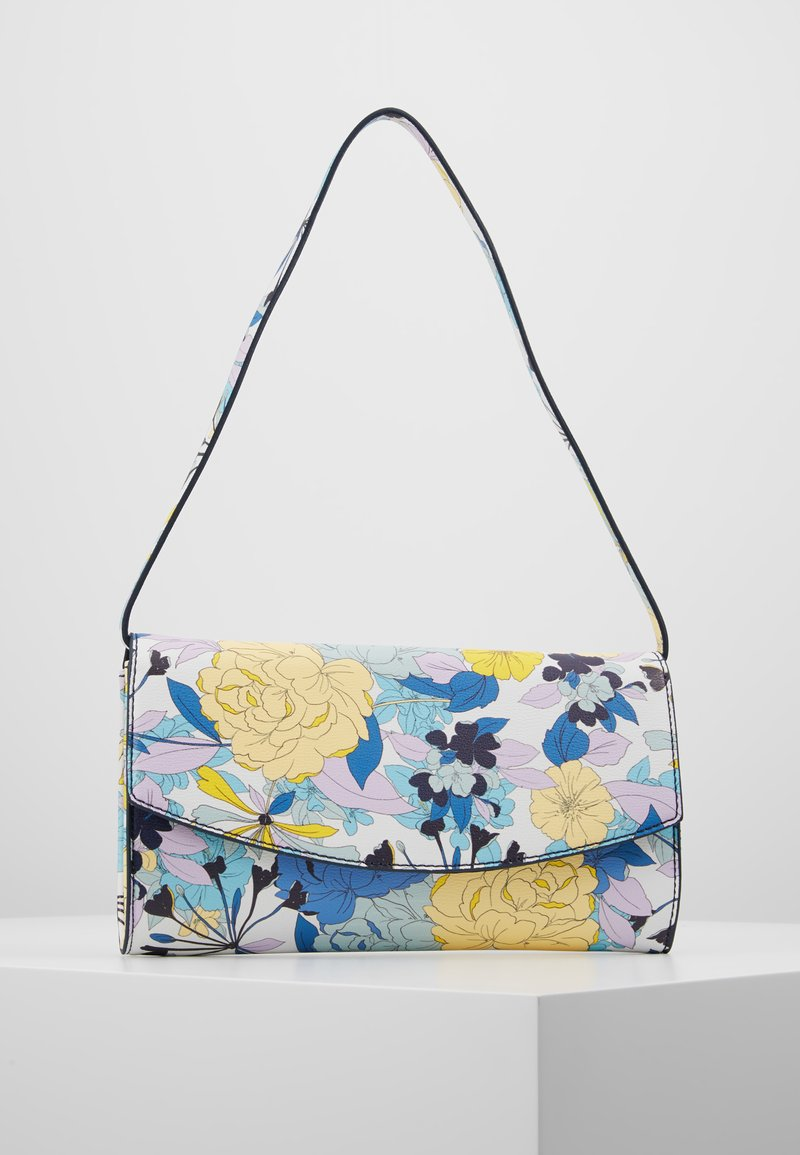 Esprit - TATE BAGUETTE - Håndtasker - off white
