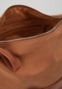 Esprit - VIVIEN HOBO - Handtasche - rust brown - 4