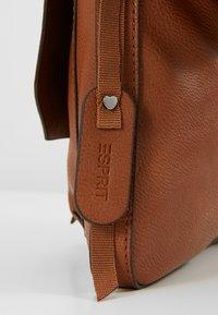 Esprit - ISA - Schoudertas - rust brown - 7