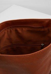 Esprit - CARLY - Umhängetasche - rust brown - 4