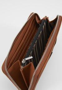 Esprit - CORY - Geldbörse - rust brown - 5