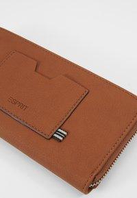 Esprit - CORY - Geldbörse - rust brown - 2