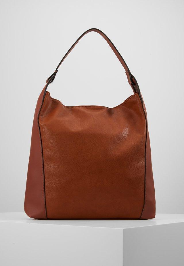 CARLY - Shoppingväska - rust brown