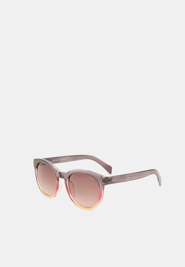 SONNENBRILLE MIT TRANSPARENTEM RAHMEN - Sunglasses - purple