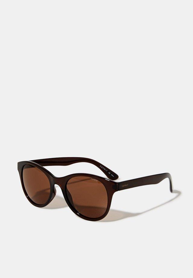 SONNENBRILLE MIT ZEITLOSEM DESIGN - Sonnenbrille - brown
