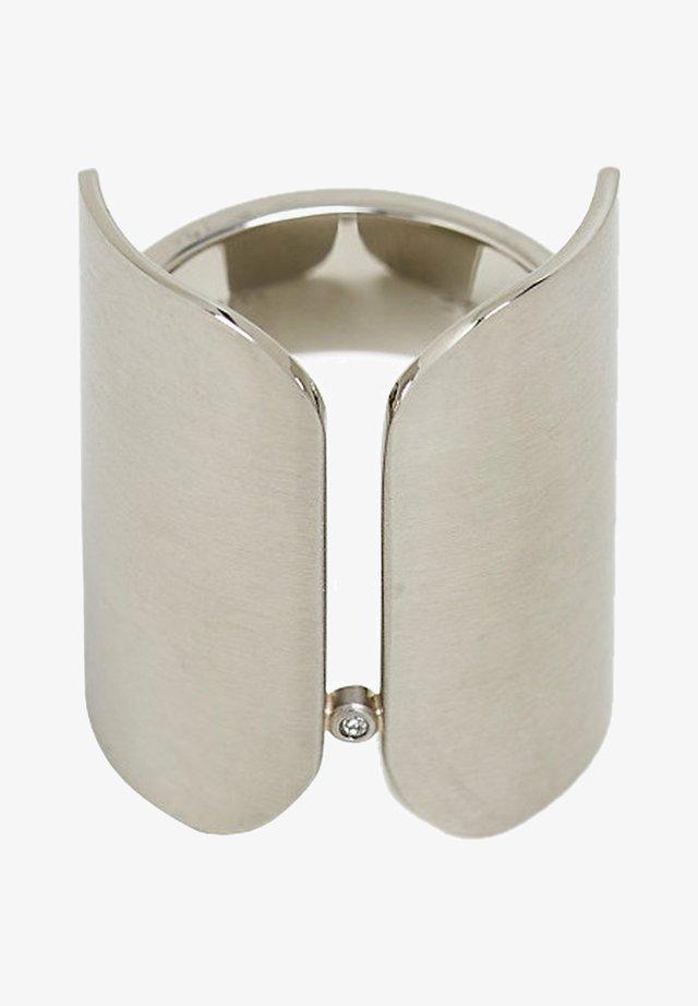 MIT ZIRKONIA, AUS EDELSTAHL - Ring - silver-coloured