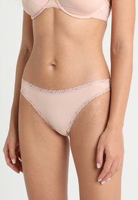 Esprit - LISMORE MINI BRIEF HIPSTER - Slip - nude - 0