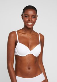 Esprit - DAILY MICRO PADDED - Underwired bra - white - 0