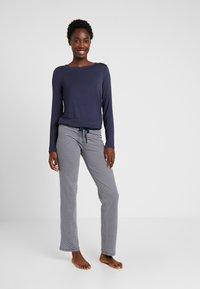 Esprit - JORDYN SINGLE PANTS LEG - Pyjamasbukse - navy - 1