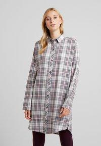 Esprit - FILIPA NIGHTSHIRT CHECK - Noční košile - off white - 0
