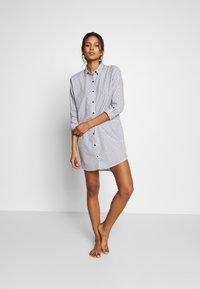 Esprit - CORRIE - Nattskjorte - blue/lavender - 1