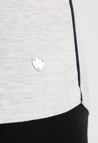 Esprit - JAYLA SINGLE SHIRT - Pyjamasoverdel - light grey - 5