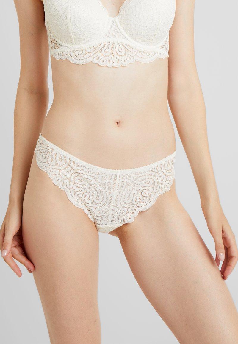 Esprit - AUTH HUNTSVILLE BRAZILIAN HIPSTER - String - off white