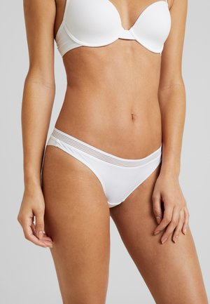 GLADSTONE BRAZILIAN HIPSTER BRIEF - Slip - white