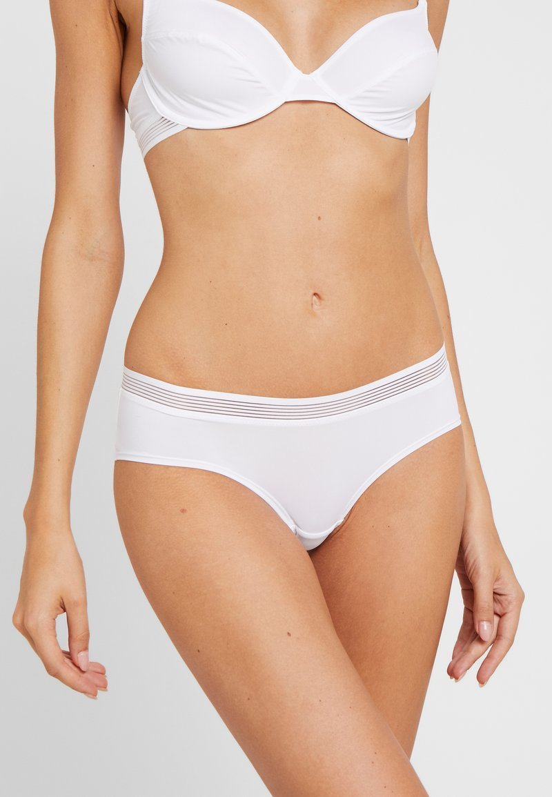 Esprit - GLADSTONE BRAZILIAN HIPSTER SHORTS - Braguitas - white