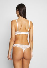 Esprit - BARB STRING - String - off white - 2
