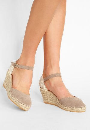 BIARRITZ - Loafers - sable