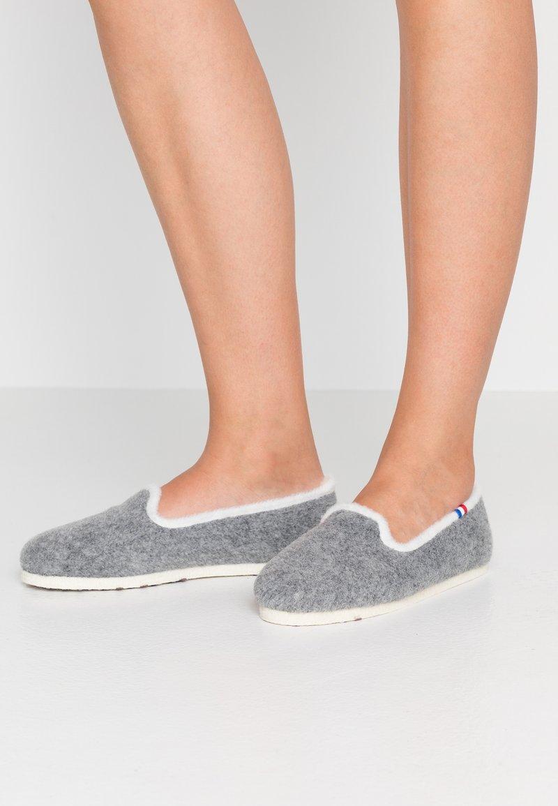 Espadrij l´originale - CHALET TRADITIONAL ELLE - Pantoffels - gris/nature