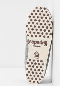 Espadrij l´originale - CHALET TRADITIONAL ELLE - Pantoffels - gris/nature - 6