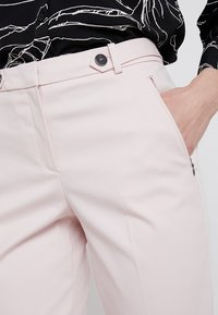 Esprit Collection - NEW YORK - Chinos - light pink - 5