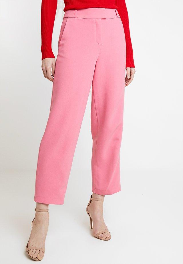 CROPPED STRAIGHT - Pantalones - pink