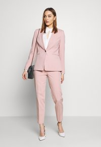 Esprit Collection - NEWPORT - Pantaloni - old pink - 1