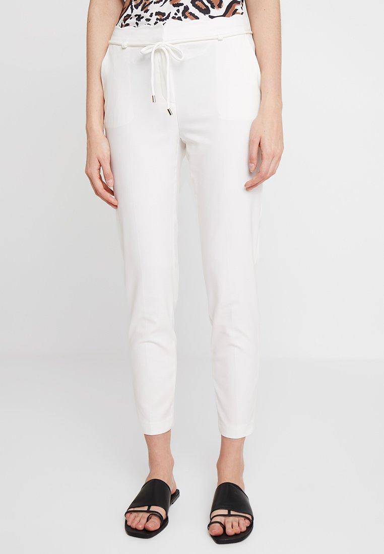 Collection White Esprit Classique ScallopPantalon Off QrdCexBoW